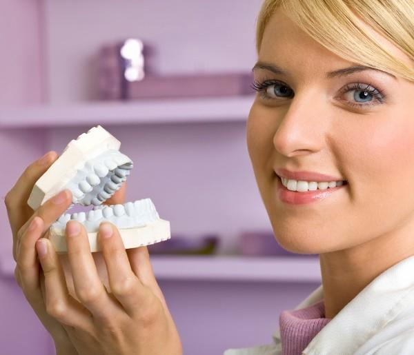 поставить зубные протезы